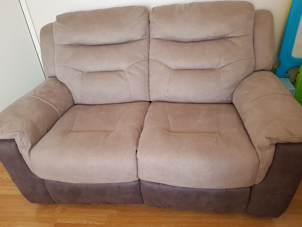 3 Seater and 2 Seater recliner sofa.