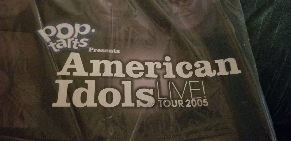 AMERICAN IDOL  TOUR  BOOK  2005 AND BO BICE SIGNED  2010 CALENDAR