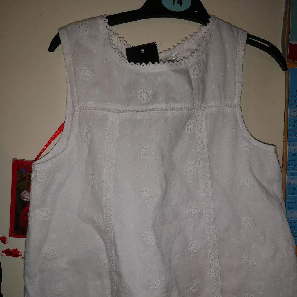Girls asda George short sleeved top age 6-7 years