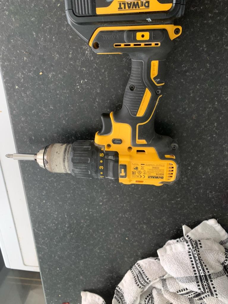 New dewalt brushless 18v combi with 4 amp battery