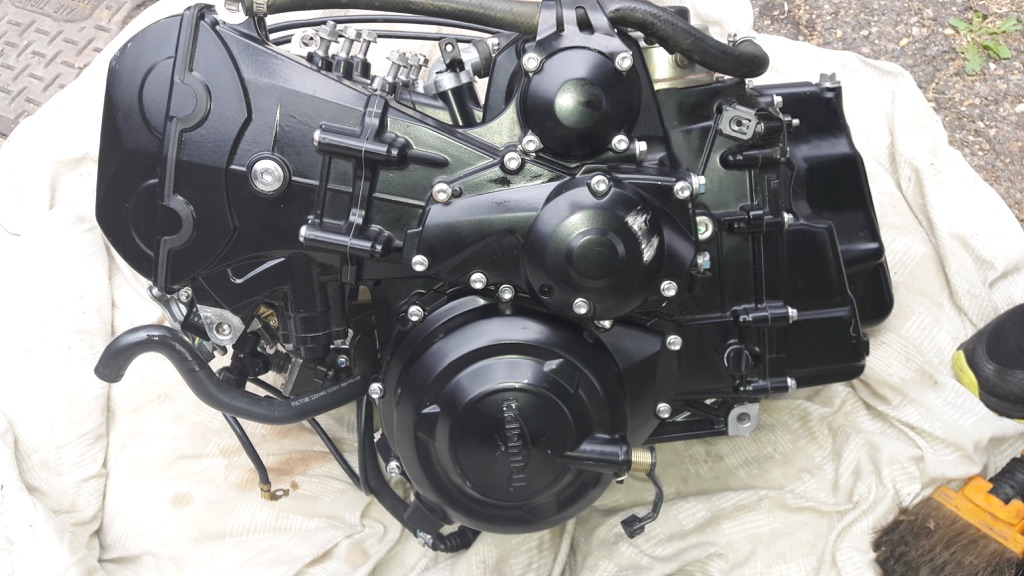 Motorbike engine street 675 triple type R