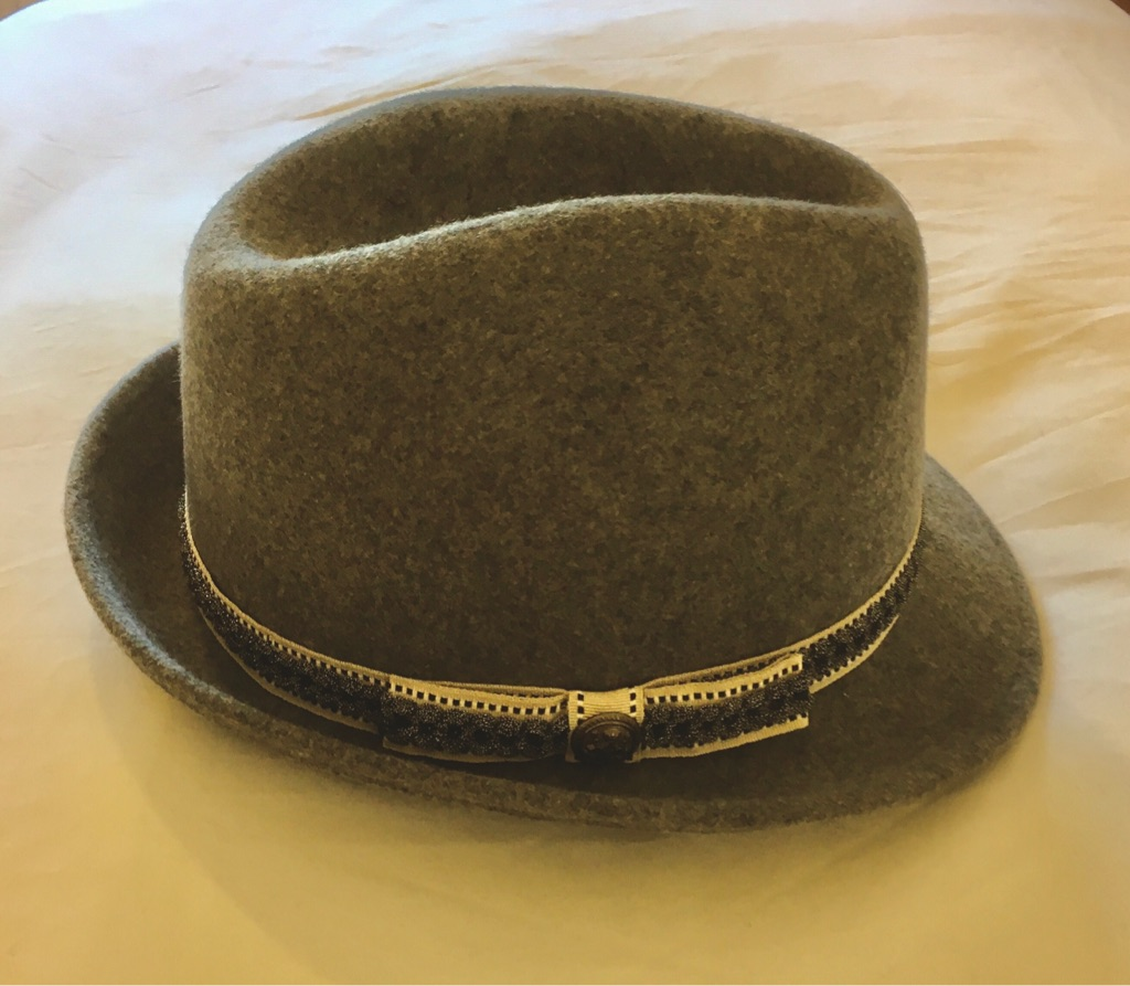 HAT (M-L) - By M&S