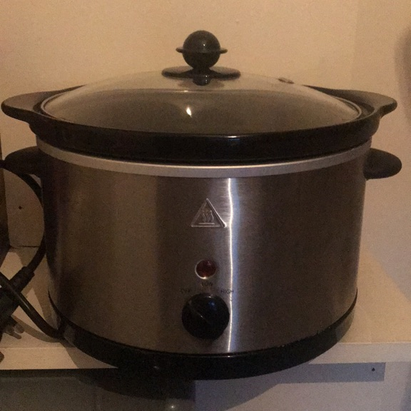 Slow cooker. 3L