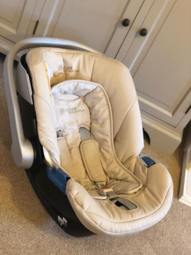 Mamas and papas cybex car seat with rain cover