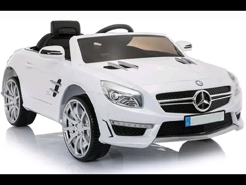 Mercedes-Benz White SL63 AMG Licence Ride-On Car 12V 7Ah 2x35W Motors LED