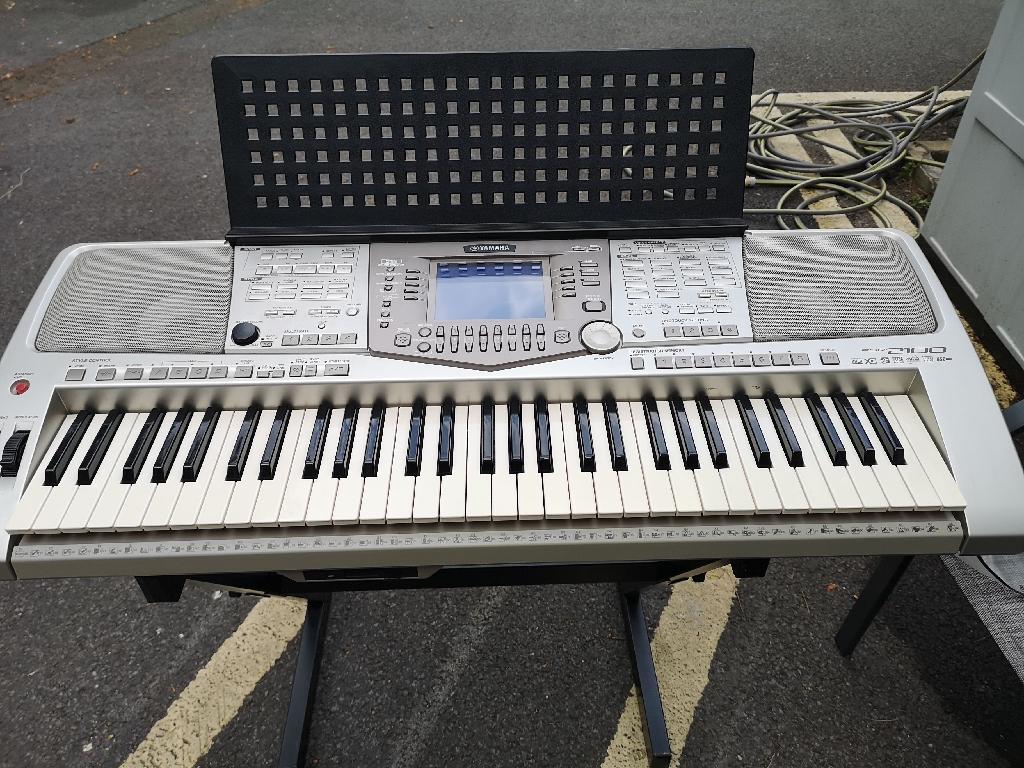 Yamaha PSR 2100 Keyboard