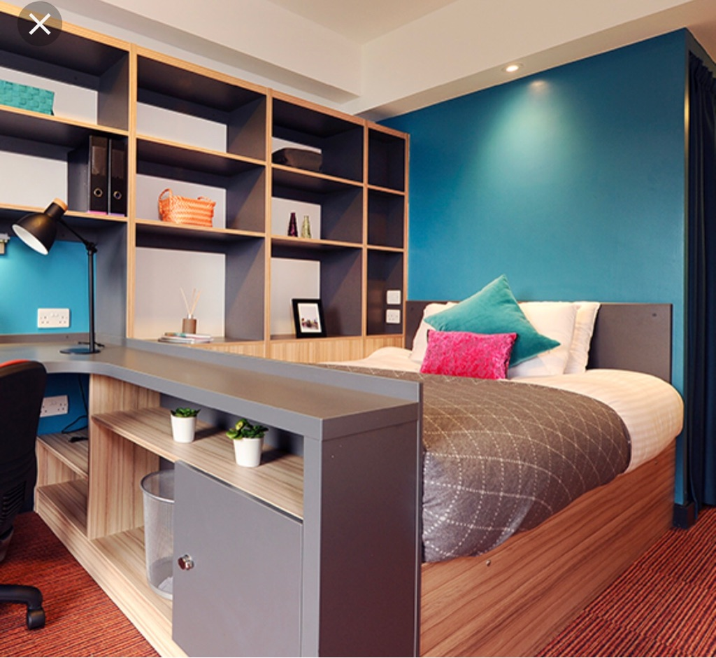 SALFORD UNIVERSITY ACCOMMODATION ROOM