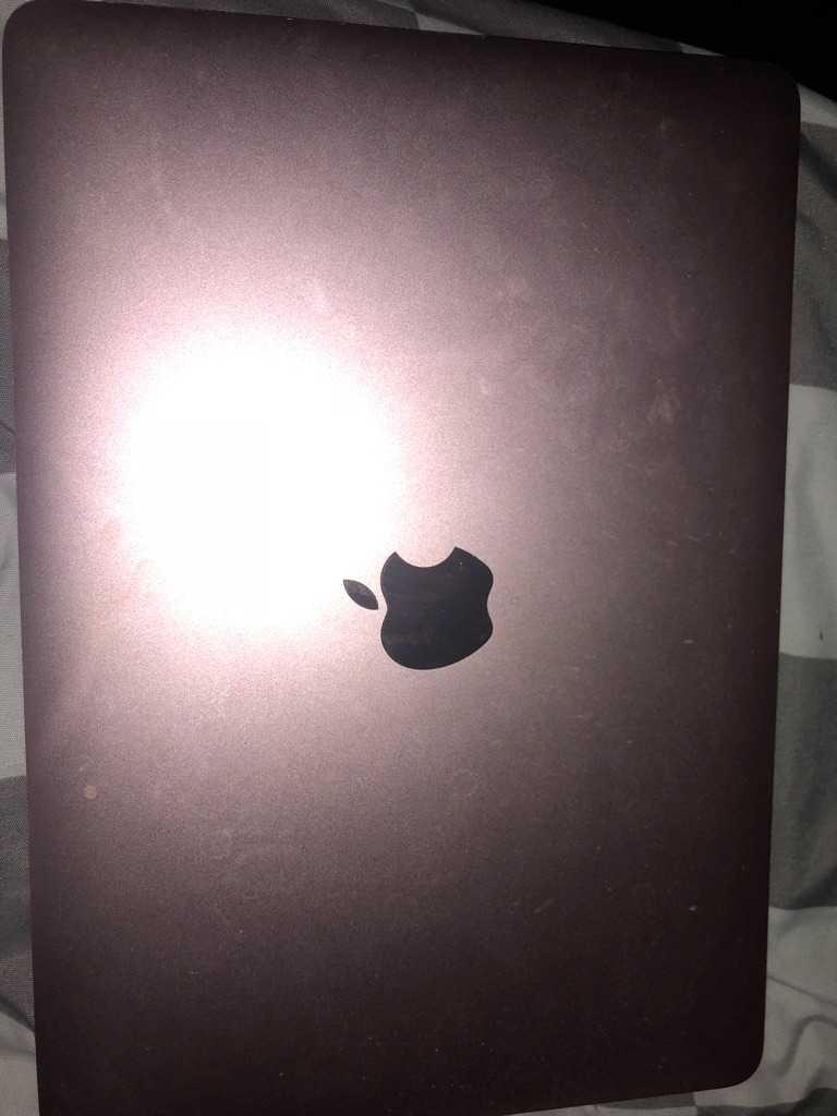 Apple Mac rose gold