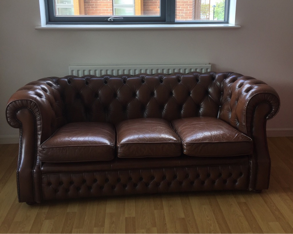 Vintage Chesterfield Three Seater in brown - Classic design - Great condition - available now