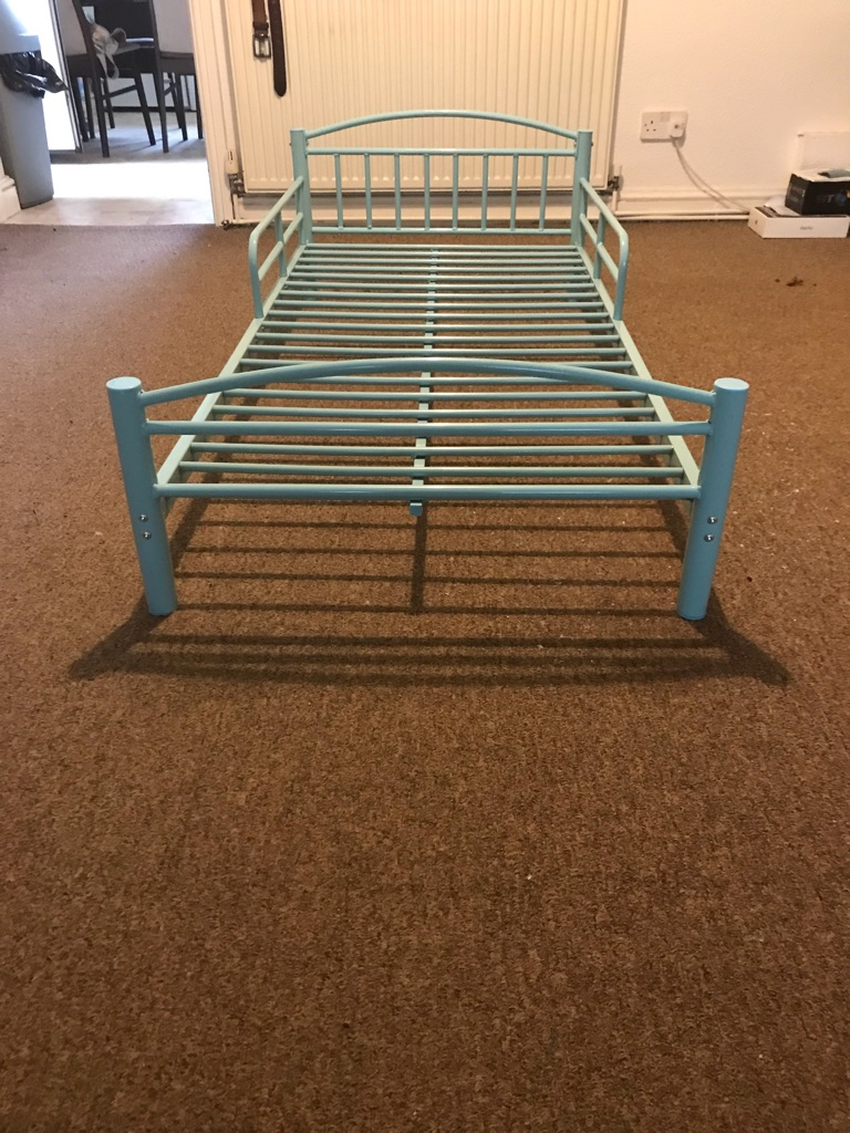 Toddlers bed for boys