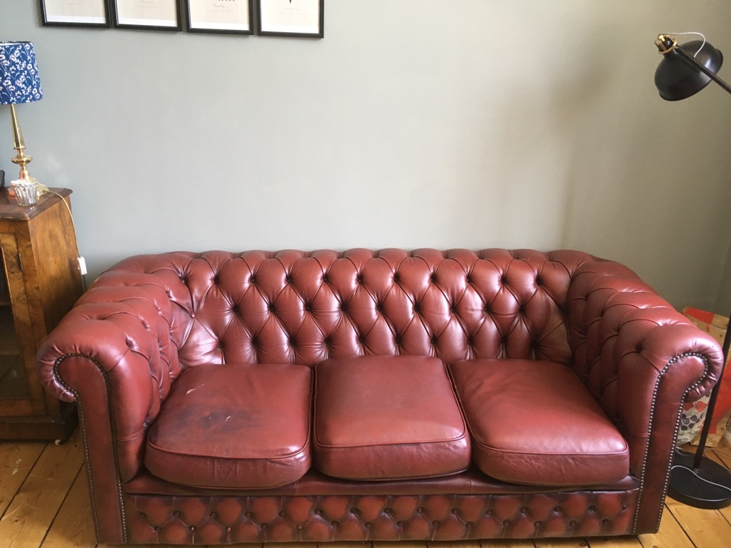 Chesterfield armchair + sofa