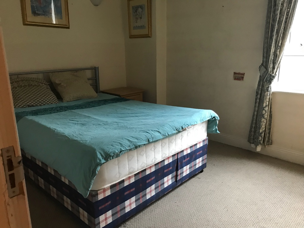 Canary Wharf 1 double room for rent