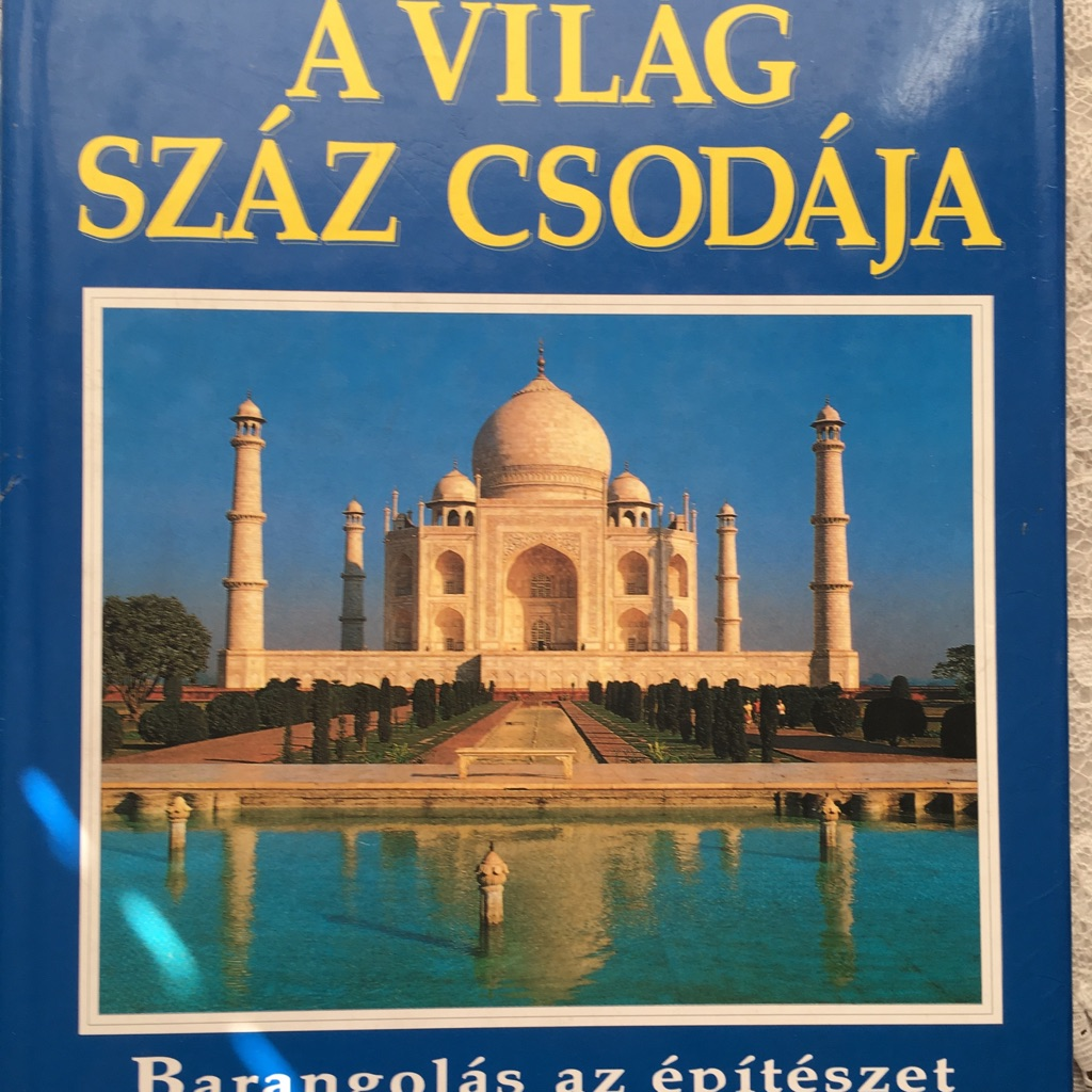 100 Wonders of the World in Hungarian language