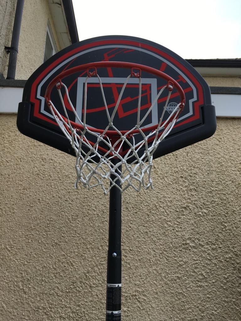 Basketball hoop for kids free-standing