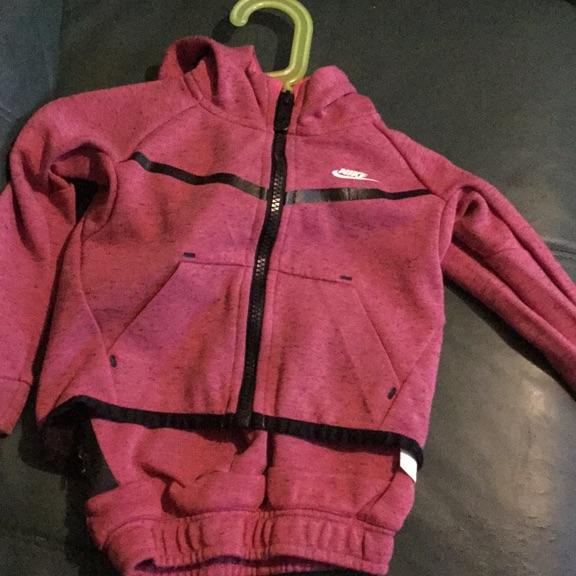 Nike tech infant tracksuit 18-24months