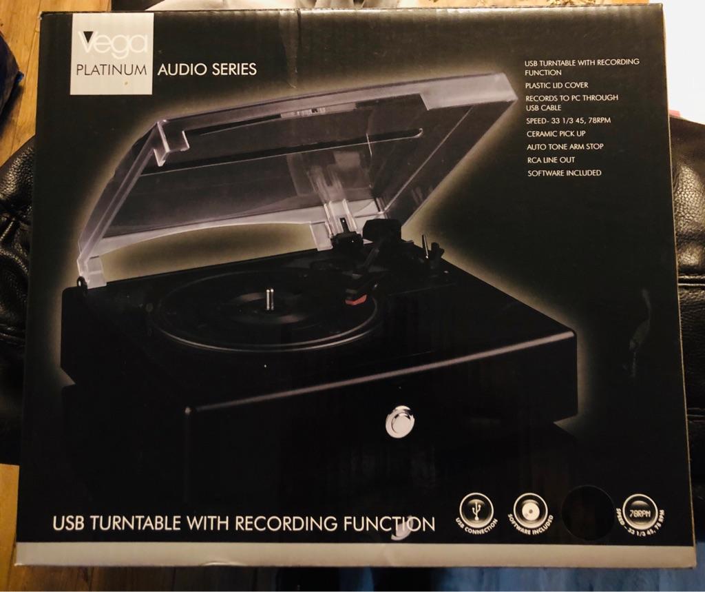 Vega Platinum Audio Series USB Turntable With Recording Function