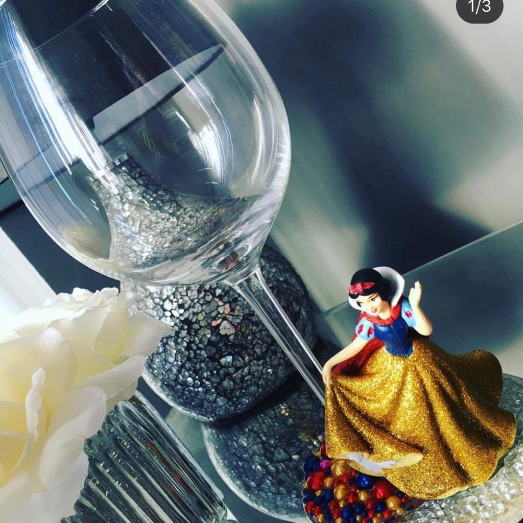 Snow White glass