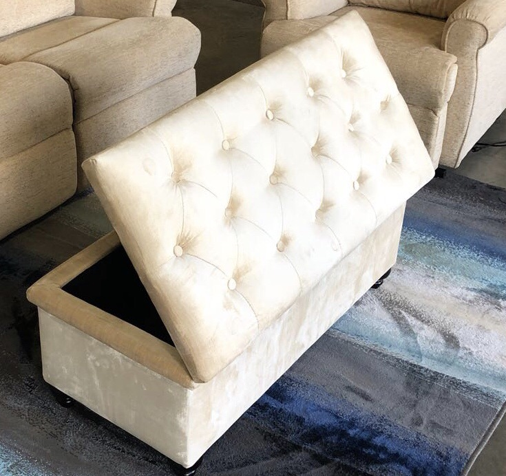 CREAM CHESTERFIELD OTTOMAN FOOTSTOOL