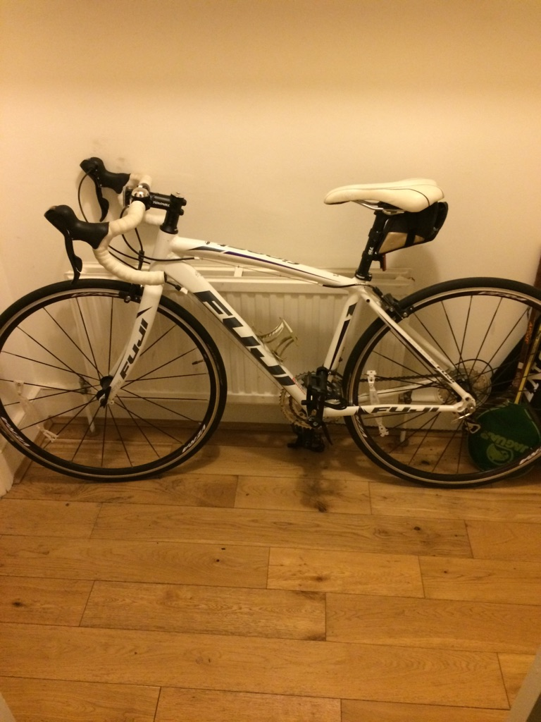 Fuji women's small road bike Rarely used kept indoors
