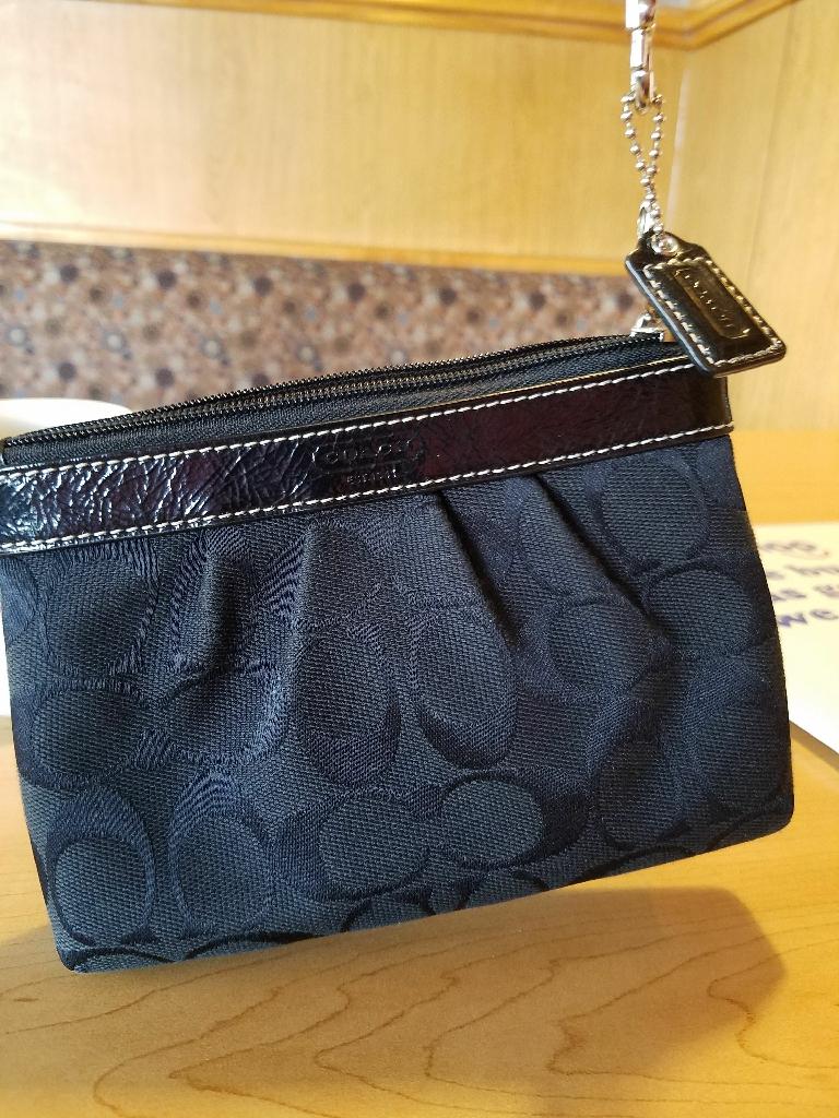 Coach change purse reduced