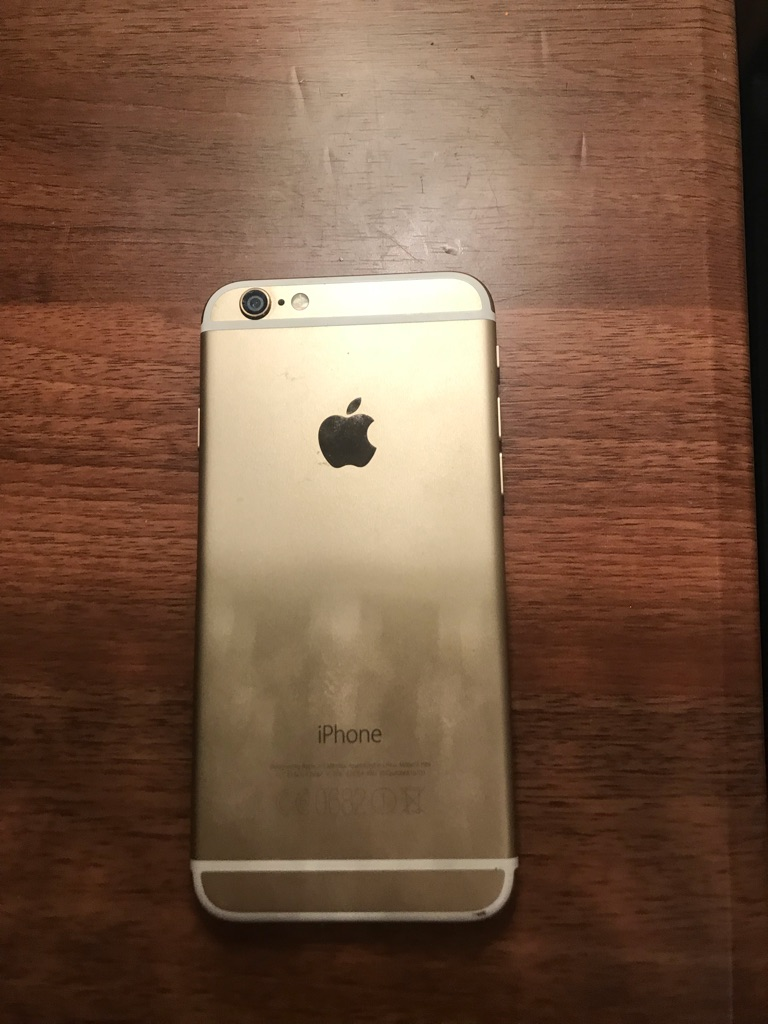 iPhone 6 - great condition (slight dent)
