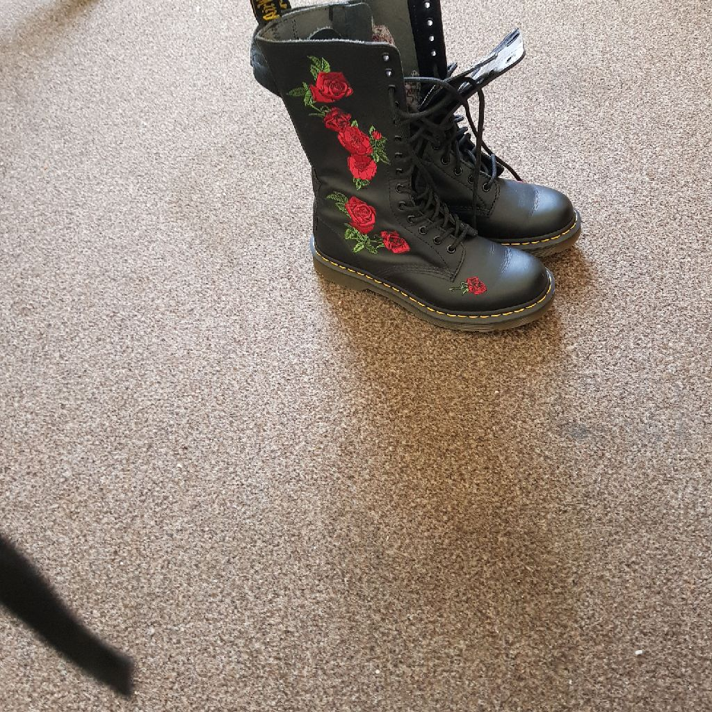 DMs boots