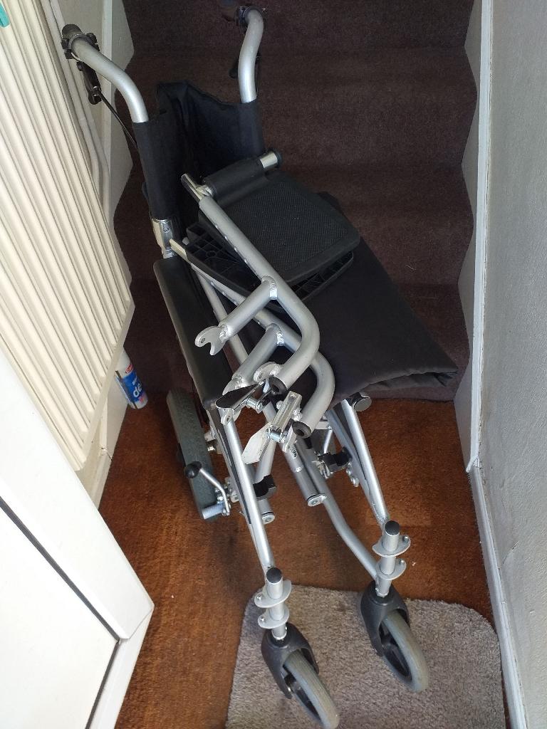 Foldable aluminium wheelchair