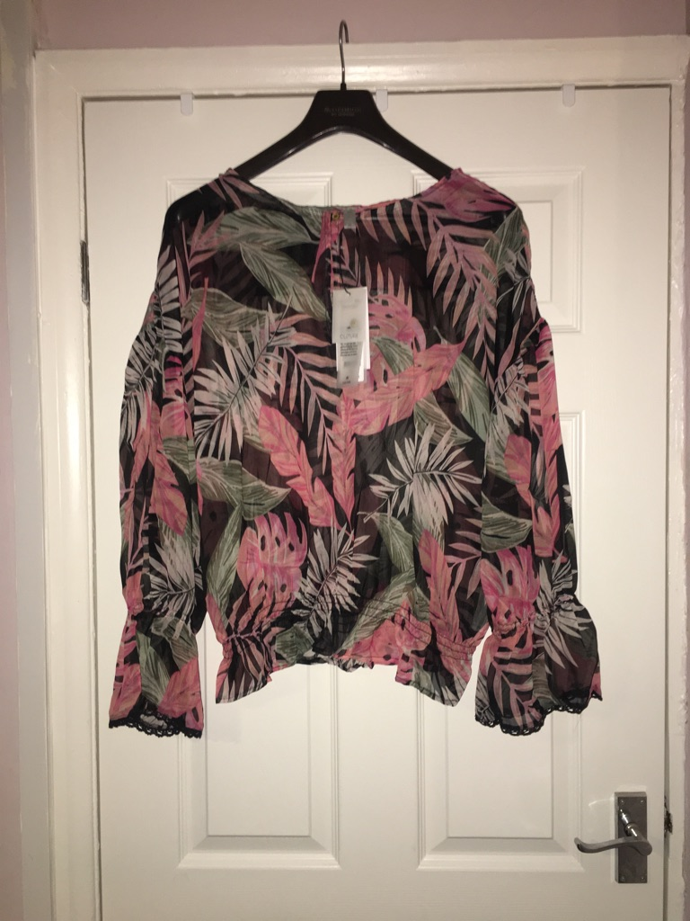 Ladies Blouse Size 22-24 from Culture RRP £65 shown on label