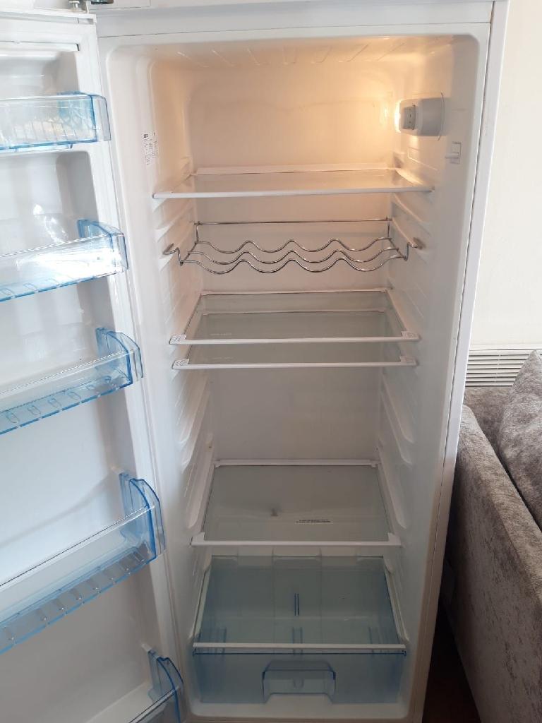 Hotpoint tall fridge A+ class