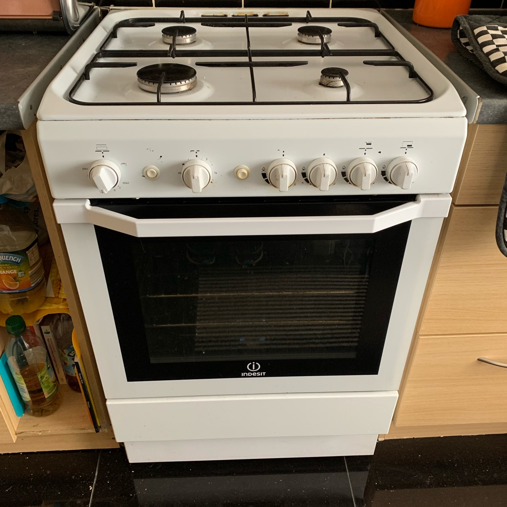 Gas cooker -good condition