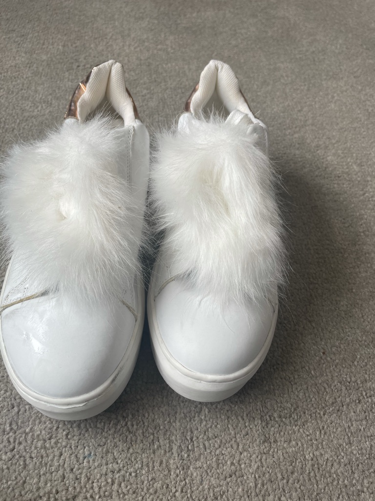 Size 6 white trainers