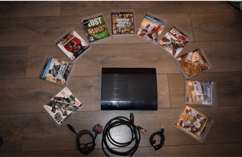 PS3 with 10 games and two controllers