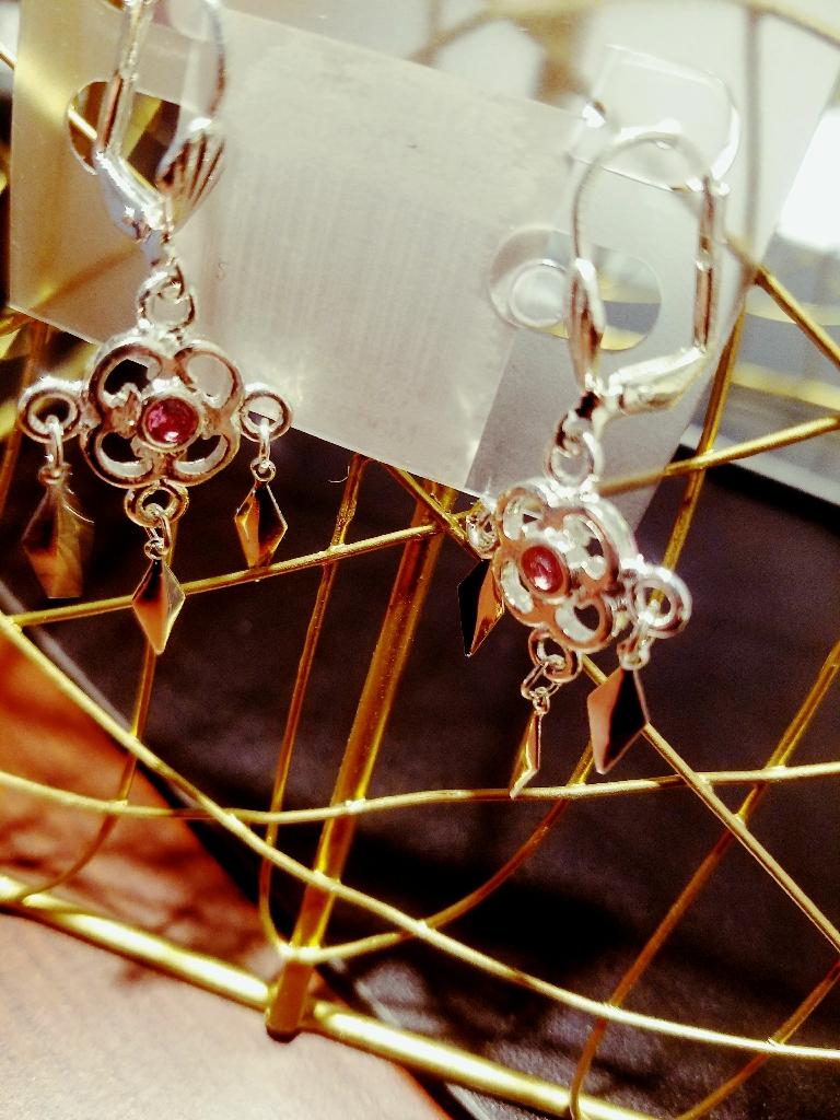 New silver emblem pink stone chandelier earrings