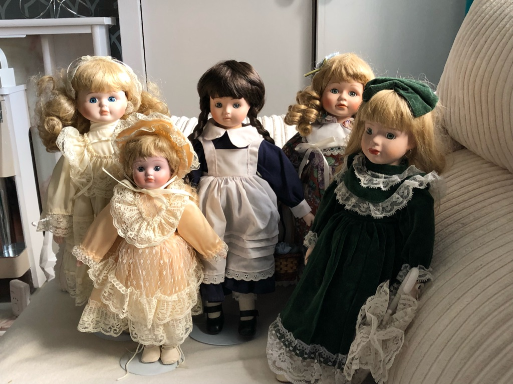 Various china dolls