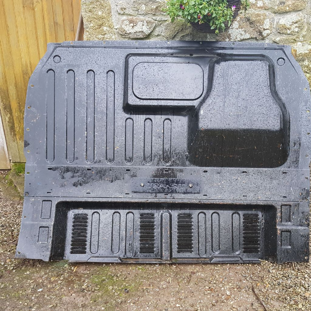 Bulkhead for ford transit short wheel base 08 plate