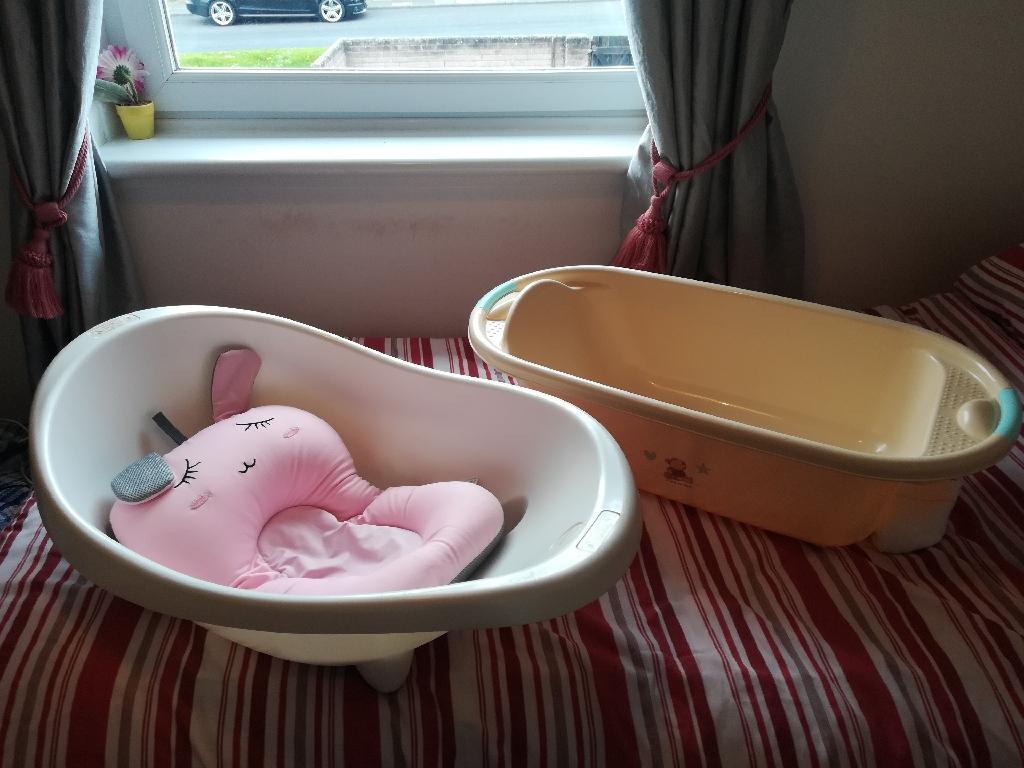 White Mama and Papas baby bath