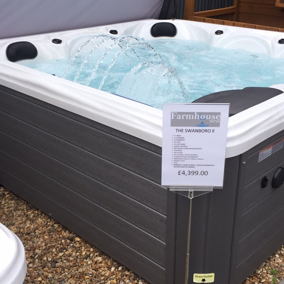 The Swanboro 6 person Hot Tub