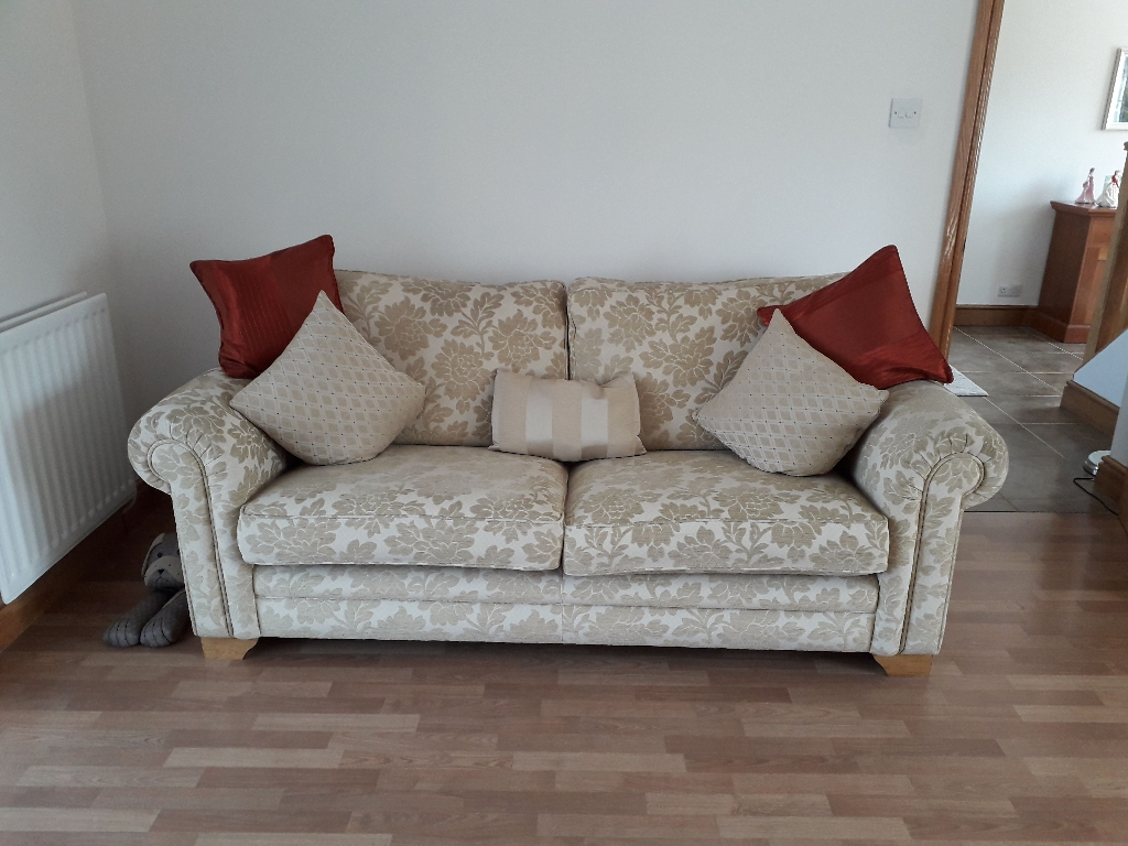 Sofa 2x armchairs and storage footstool