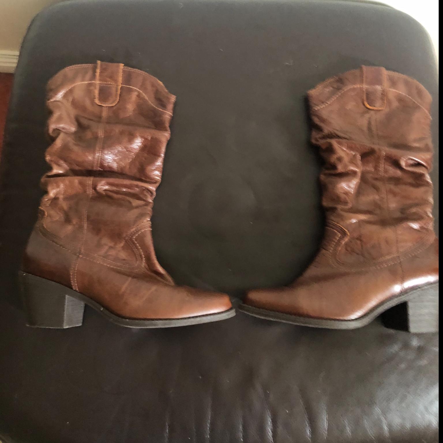 Cowboy boots (5)
