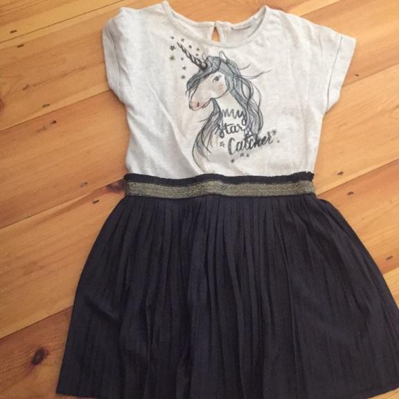 2 girls dresses. Size 8/9