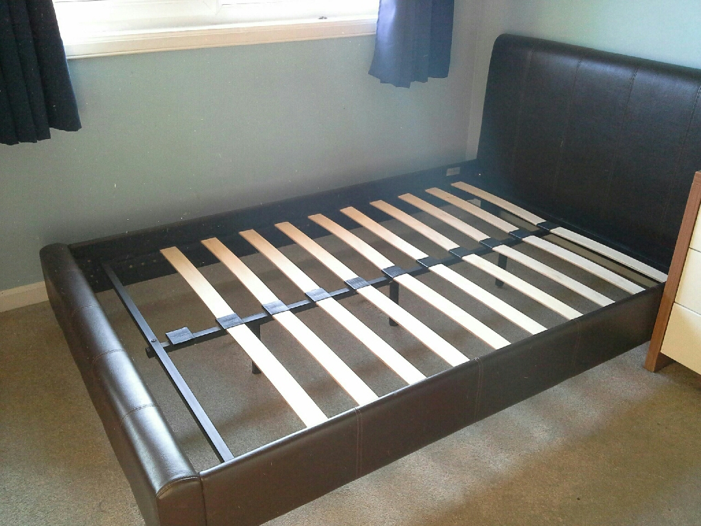 Bed frame small double/4ft size