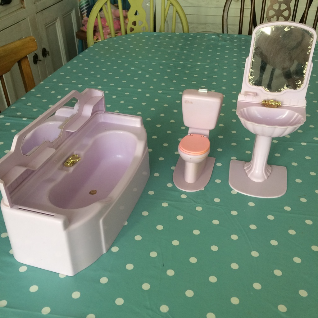 1980's retro bathroom set for Sindy