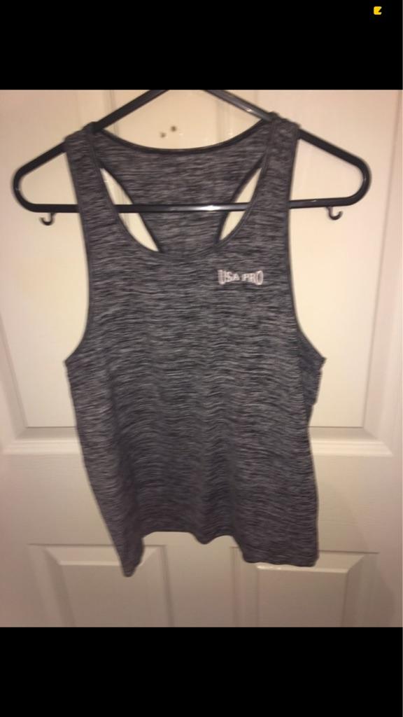 Grey gym top Size XS/6