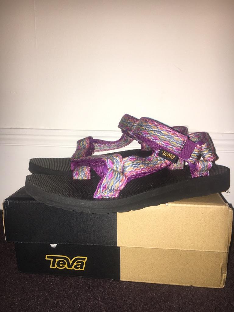 Ladies Teva Sandals Size 4