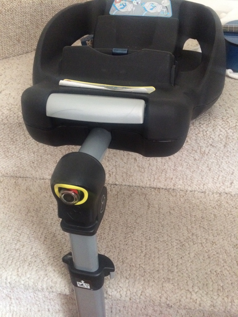 Maxi cosi cabriofix with ISO fox familyfux base