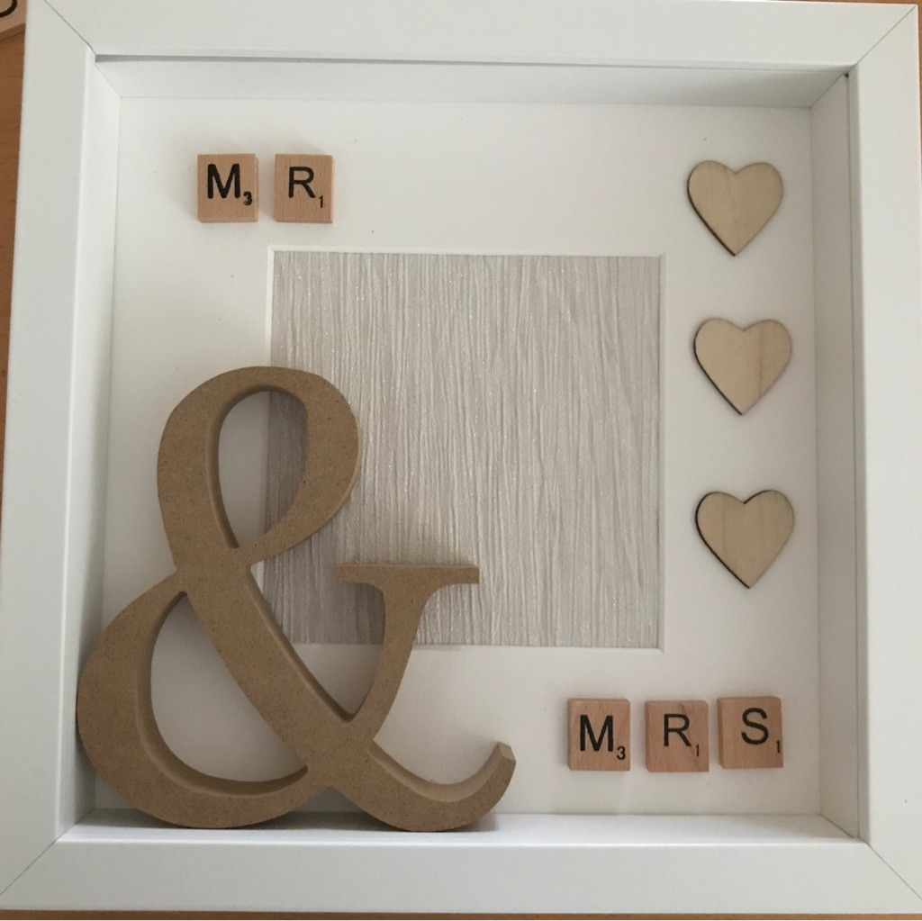 Mr & Mrs frame