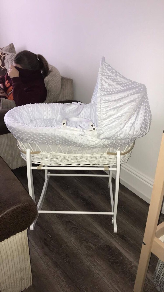 Claire are Lune Moses Basket