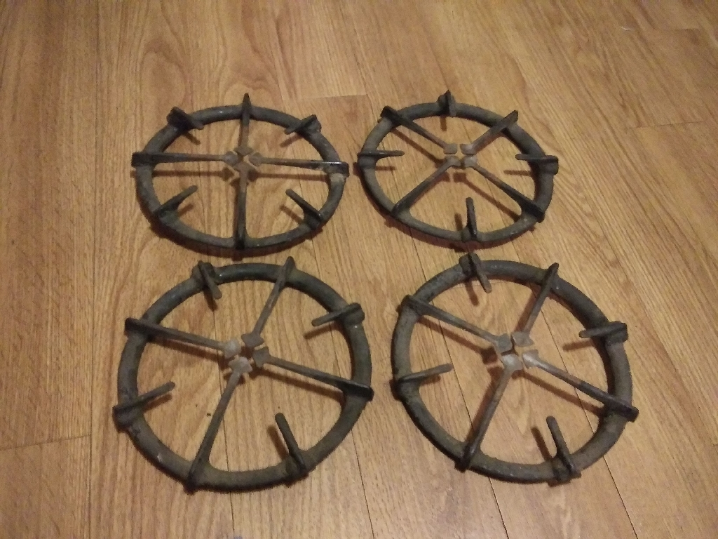 Set of 4 Vintage Black Cast Iron Gas Stove Pan Holder