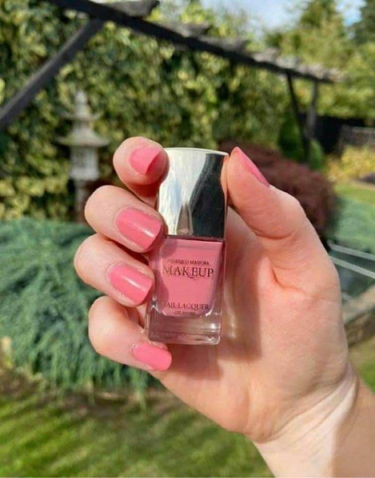 Gel nail varnish