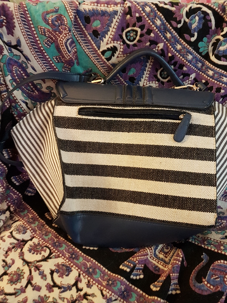 River Island Bag in fab condition